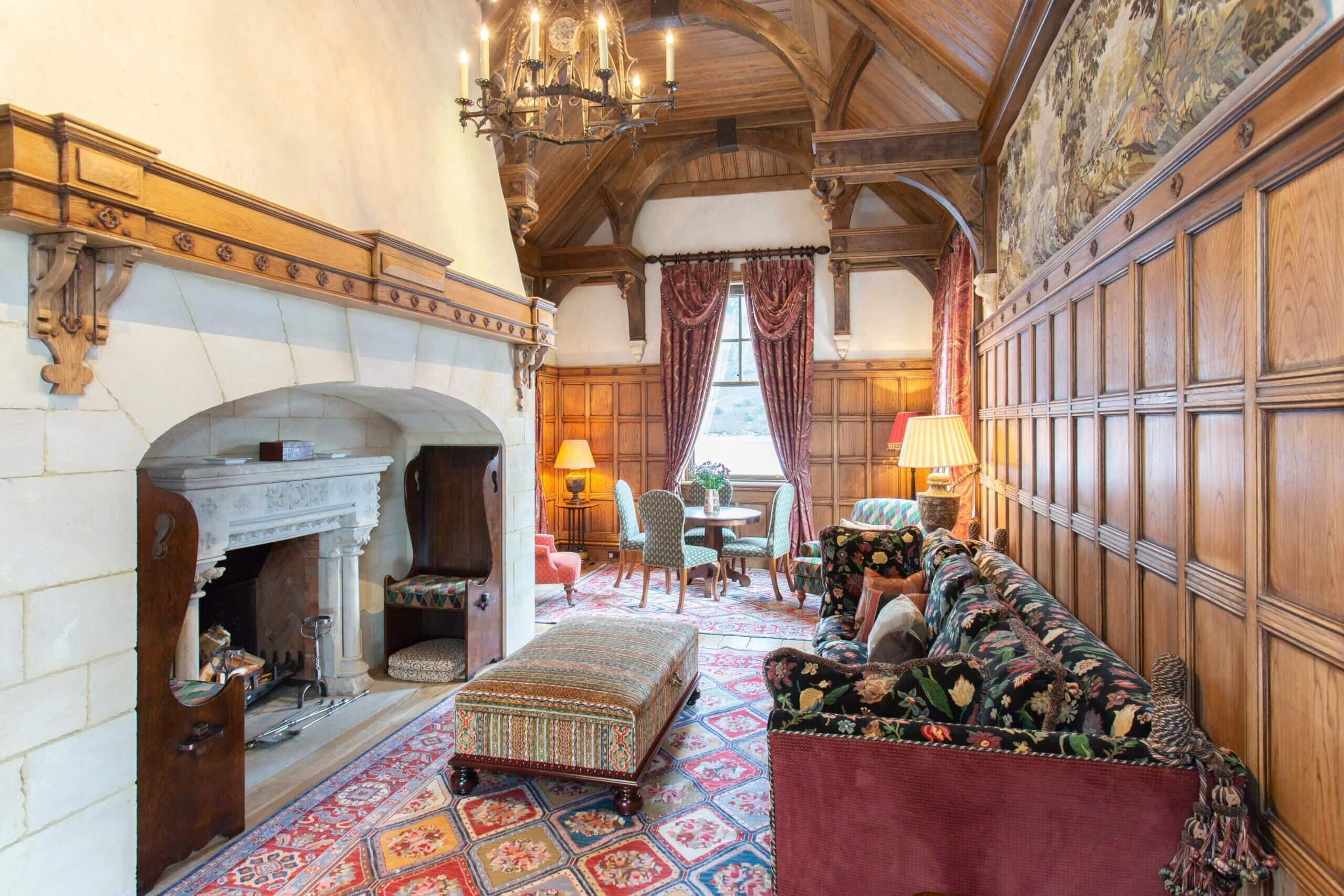 The drawing room within the Gate lodge