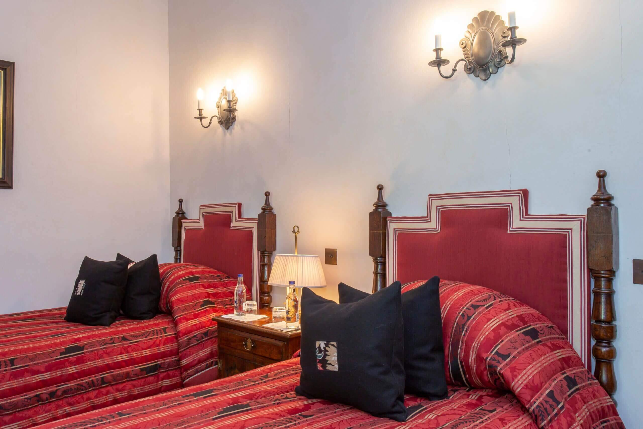 Twin room with designer deluxe finishings and views over Loch Ericht